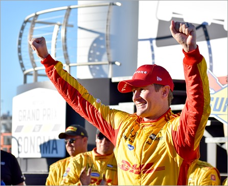 hunter reay hands up